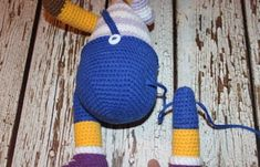 This free amigurumi pattern will help you to create a crochet toy with cute amigurumi details. Crochet Toys Patterns, Stuffed Toys Patterns, Knitting Patterns, Amigurumi Doll, Amigurumi Minta, Crochet Baby, Giraffe, Knitted Hats, Free Pattern