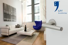 Impression of the GPF Toi handle (GPF1015) combined with a GPF1100.00 rose. This combination and many other door & window products are available at our website (www.tenhulscher.nl)