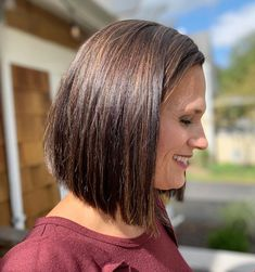 Short Hairstyles For Women, Hairstyles Haircuts, Women's Medium Hairstyles, Hairstyles For Over 40, Short Length Hairstyles, Short To Medium Haircuts, One Length Haircuts, Haircut Styles For Women, Stylish Hairstyles