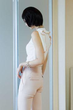 back frill sleeveless tee