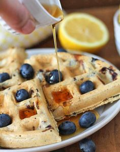 This recipe for Vegan Gluten Free Lemon Blueberry Waffles is bursting with delicious, tangy, sweet lemon flavour. They're perfect for breakfast or brunch! Vegan Gluten Free Breakfast, Sans Gluten Vegan, Gluten Free Waffles, Vegan Breakfast Recipes, Brunch Recipes, Blueberry Waffles, Blueberry Recipes, Lemon Recipes, Delicious Desserts