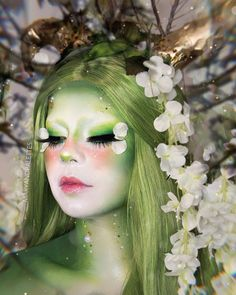 Magical Makeup, Amazing Makeup, Colorful Lace Front Wigs, Colored Wigs, Pink Wig, Ombre Wigs, Halloween Fashion, Ombre Color, Wig Styles