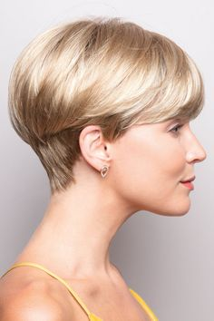 "How to style the Pixie cut? Despite what we think of short cuts , it is possible to play with his hair and to style his Pixie cut as he pleases. For a hairstyle with a ""so chic"" and pointed… Continue Reading → Short Hairstyles For Thick Hair, Short Pixie Haircuts, Short Hair Cuts, Curly Hair Styles, Natural Hair Styles, Pixie Cuts, Curly Pixie, Teen Hairstyles, Fancy Hairstyles"