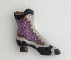This button is representative of a boot made by Bally in the 1880s. Cloisonne Enamel by Diana Wieler.