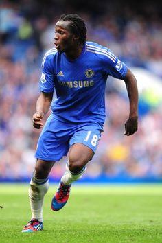Romelu Lukaku on Chelsea FC Good Soccer Players, Football Players, Chelsea Football, Football Soccer, Luke Shaw, Chelsea Fc Players, Fc 1, Soccer Skills, Sports
