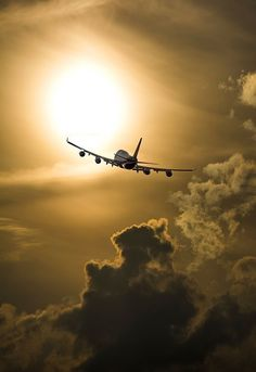 Bon voyage - airplane flying into a beautiful sky. Airplane Photography, Travel Photography, Jets Privés De Luxe, Airplane Wallpaper, Hd Wallpaper, Airplane Flying, Photos Voyages, Aircraft Pictures, Aviation Art