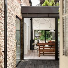Kirkwood+McCarthy+adds+zinc-clad+garden+wing+to+north+London+house