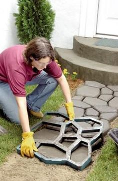 Walk Maker reusable plastic molds for making patterned walkways, garden paths and patios. Need a walkway to the garden. Outdoor Projects, Garden Projects, Home Projects, Lawn And Garden, Garden Paths, Home And Garden, Walk Maker, Plastic Molds, Making Out