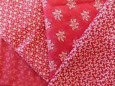WtW Estate Fabric Quilt Craft Stash Lot 4 Leaves Leaf Red Pattern Nature Garden