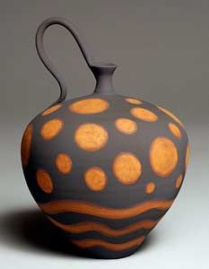 Un monde tralala Red Planet Bottle – Nicholas Bernard Earthenware vessel, thrown and hand-built. Decorated with brushed slips and oxides. (Un monde tralala) Glass Ceramic, Ceramic Clay, Pottery Vase, Ceramic Pottery, Earthenware, Stoneware, Cerámica Ideas, Sculptures Céramiques, Pottery Designs