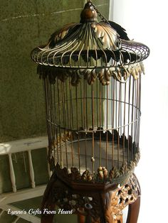 Love birdcages, The bird cage is equally a house for your chickens and an attractive tool. You are able to select anything you need on the list of bird cage models and get a lot more specific images. Antique Bird Cages, The Caged Bird Sings, Chicken Cages, Birdhouse Designs, Antique House, Kit Homes, Animal House, Bird Feathers, Beautiful Birds