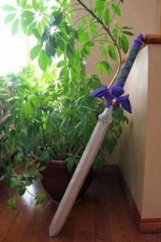Link's Master Sword from The Legend of Zelda: Hyrule Warriors by Namisuke || http://www.instructables.com/id/Links-Master-Sword-from-The-Legend-of-Zelda-Hyrule/