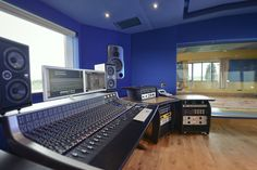 Far Heath Studios, Northants - recent refurb and studio feature