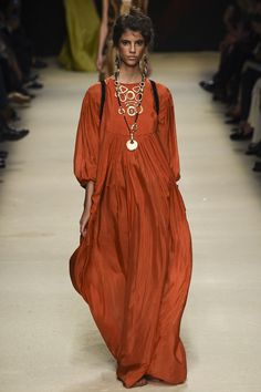 Alberta Ferretti - MFW 2015  Like the dress but LOVE the necklace.  MOC