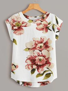 To find out about the Large Floral Print High Low Blouse at SHEIN, part of our latest Blouses ready to shop online today! Dressy Tops, Casual Tops, Blouse Styles, Blouse Designs, Casual Outfits, Fashion Outfits, Womens Fashion, Shirt Bluse, Fashion Sewing