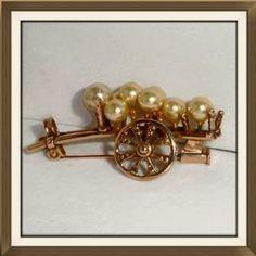 Beautiful Vintage Gold Silver & Pearl Brooch