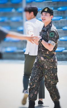 he looks so fine and healthy like omg Kim Minseok Exo, Baekhyun Chanyeol, Kris Wu, Luhan And Kris, Kai, Exo Ot12, Chanbaek, Exo Album, Xiuchen
