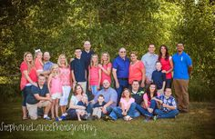 Family reunion pictures. Big family pictures. Stephanie Lance photography