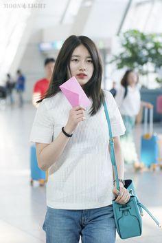 Suzy Suzy Bae Fashion, Look Fashion, Korean Fashion, Korean Actresses, Asian Actors, Korean Girl, Asian Girl, Miss A Suzy, Asian Cute