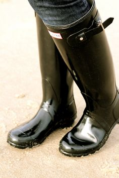 black glossy hunter wellies-size 7 please and a very big thank you!