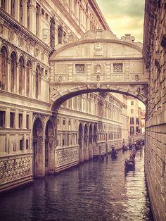 Venice | by Henry von Huch {Ponte de Sospiri/Bridge of Sighs) #italy #photography