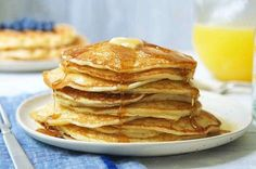 Classic sourdough waffles or pancakes Crisp, feathery light waffles or pancakes with a delightful, mild tang. Sourdough Pancakes, Sourdough Recipes, Pancakes And Waffles, Sourdough Bread, Bread Recipes, Flour Recipes, Pancake Recipes, Fluffy Pancakes, Cinnamon Crumb Cake
