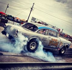 There is nothing like an old school drag car! Makes my heart skip a beat.