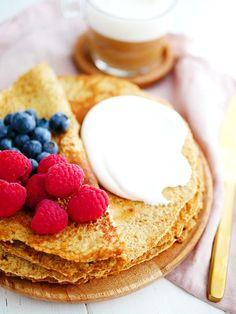 Stek pannakorna på medelvärme i minuter på varje sida. Healthy Oat Pancakes, Healthy Snacks, Healthy Breakfasts, Candy Recipes, Snack Recipes, 400 Calorie Meals, Swedish Recipes, Food Hacks, Food Inspiration