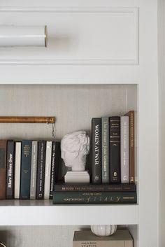 Aesthetic Room Decor, Book Aesthetic, Aesthetic Dark, Bookshelf Styling, Modern Bookshelf, Bookshelf Ideas, Decorating Bookshelves, Bookshelf Speakers, Book Shelves