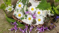 Sedmokráska vylieči aj zachutí: 10 receptov, ako ju využiť Health And Beauty, Floral Wreath, Wreaths, Plants, Decor, Flower Crowns, Door Wreaths, Flora, Decorating