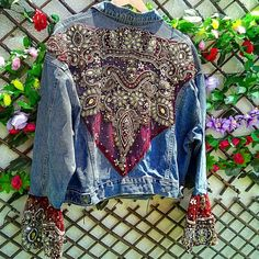 50 Diverse Ideas of Denim Jackets Decor: articles and DIYs – Livemaster Customised Denim Jacket, Custom Denim Jackets, Denim Fashion, Boho Fashion, Style Fashion, Winter Fashion, Denim Ideas, Embellished Jeans, Altered Couture