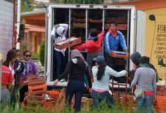 MÉXICO, D.F. (apro).- Luego de cinco días de protestas violentas, profesores y estudiantes de Guerrero, Michoacán, Oaxaca, Chiapas y Distrito Federal dieron un giro a sus movilizaciones al emprende...