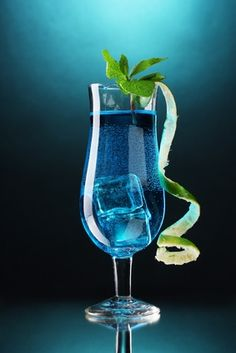 1000 images about blue lagoon cocktail on pinterest for Blue lagoon cocktail