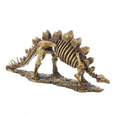 A little prehistoric style will liven up any desktop or mantel! This finely detailed Stegosaurus skeleton statue will delight dinosaur aficionados and style seekers alike.