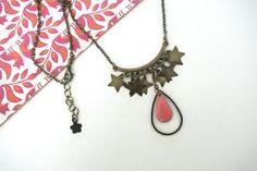 collier mi-long en bronze pour femme