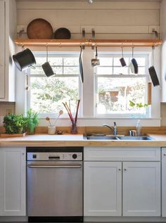 43 Best Apartment Kitchen Rental Decor Ideas And Makeover - Home/Decor/Diy/Design Diy Design, Home Design, Diy Kitchen, Kitchen Decor, Kitchen Sink, Kitchen Ideas, Kitchen Cabinets, Decorating Kitchen, White Cabinets