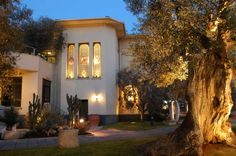 Inaugurated in 1993, the Olive Tree Museum receives an average of 30,000 visitors per year: to date, over 500,000 have enjoyed it.