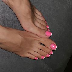 Such long toes Pink Toe Nails, Pretty Toe Nails, Cute Toe Nails, Feet Nails, Pretty Toes, Hot Pink Toes, Hot Pink Pedicure, Purple Toes, Acrylic Toes
