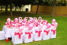 Hello Kitty Table Decorations and all kind of ideas for a birthday party....