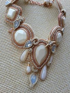 Soutache e beads embroidery