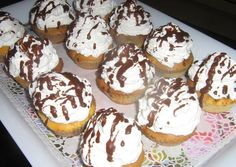 Somlói galuska muffin recept foto Baby Food Recipes, My Recipes, Sweet Recipes, Cookie Recipes, Recipies, Cake Cookies, Cupcakes, Hungarian Recipes, Hungarian Food