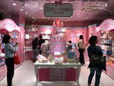 Japón inaugura PRIMER tienda oficial de Sailor Moon y necesitamos el primer vuelo a Tokio
