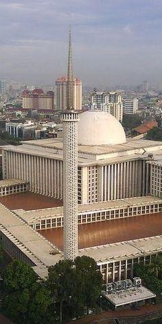 Istiqlal Masjid, a maior mesquita da Indonésia e do Sudeste Asiático