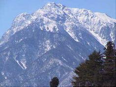 我が国最大の山脈・南アルプスの甲斐駒ヶ岳です。