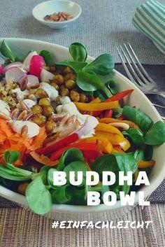 Buddha Bowl mit Kichererbsen und Paprika.