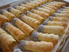 Cream Horns, Polish Recipes, Polish Food, Sweets Cake, Cannoli, No Bake Cake, Soul Food, Hot Dog Buns, Delicious Desserts