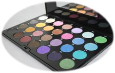 Maycheer 28 Colour Eyeshadow Palette