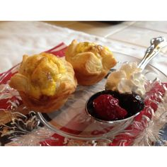 Omelette Bites Mix eggs, cheese and your favorite omelette fillings and ladle into puff pastry lined mini muffin tins.  Bake at 425 degrees for 20 minutes.