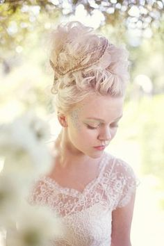Marie Antoinette Hair by @moxiethrift on etsy Bouterse van #rococco return
