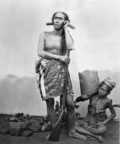 Gusti Ngurah Ktut Jelantik*, raja Buleleng, bersiap-siap untuk berburu. *Catatan:tidak sama dengan I Gusti Ktut Jelantik, pahlawan nasional, yang wafat 1849 dalam Puputan Jagaraga